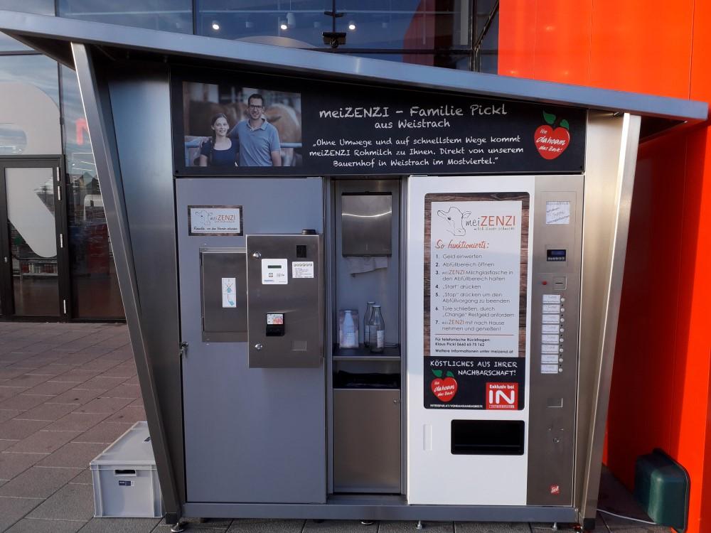 Mini Kühlschrank Interspar : Eröffnung des ersten milchautomaten bei interspar wels